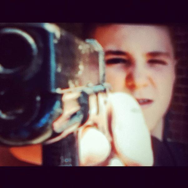Rocco con una pistola