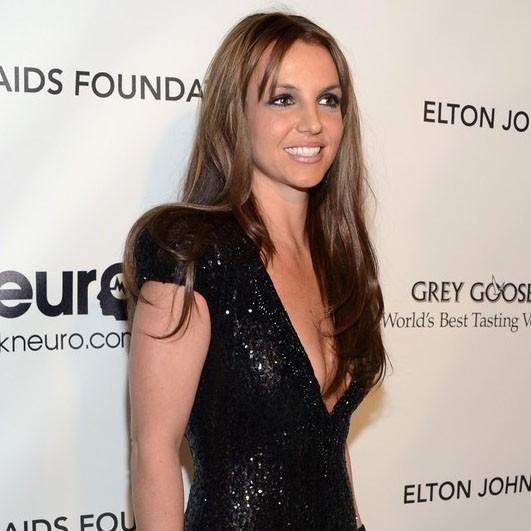 Britney Spears, castaña en la Elton John Oscar Party