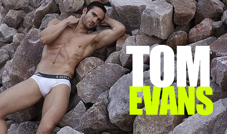 Thom Evans en calzoncillos