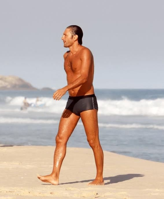 Leonardo Nascimento de Araujo sin camiseta