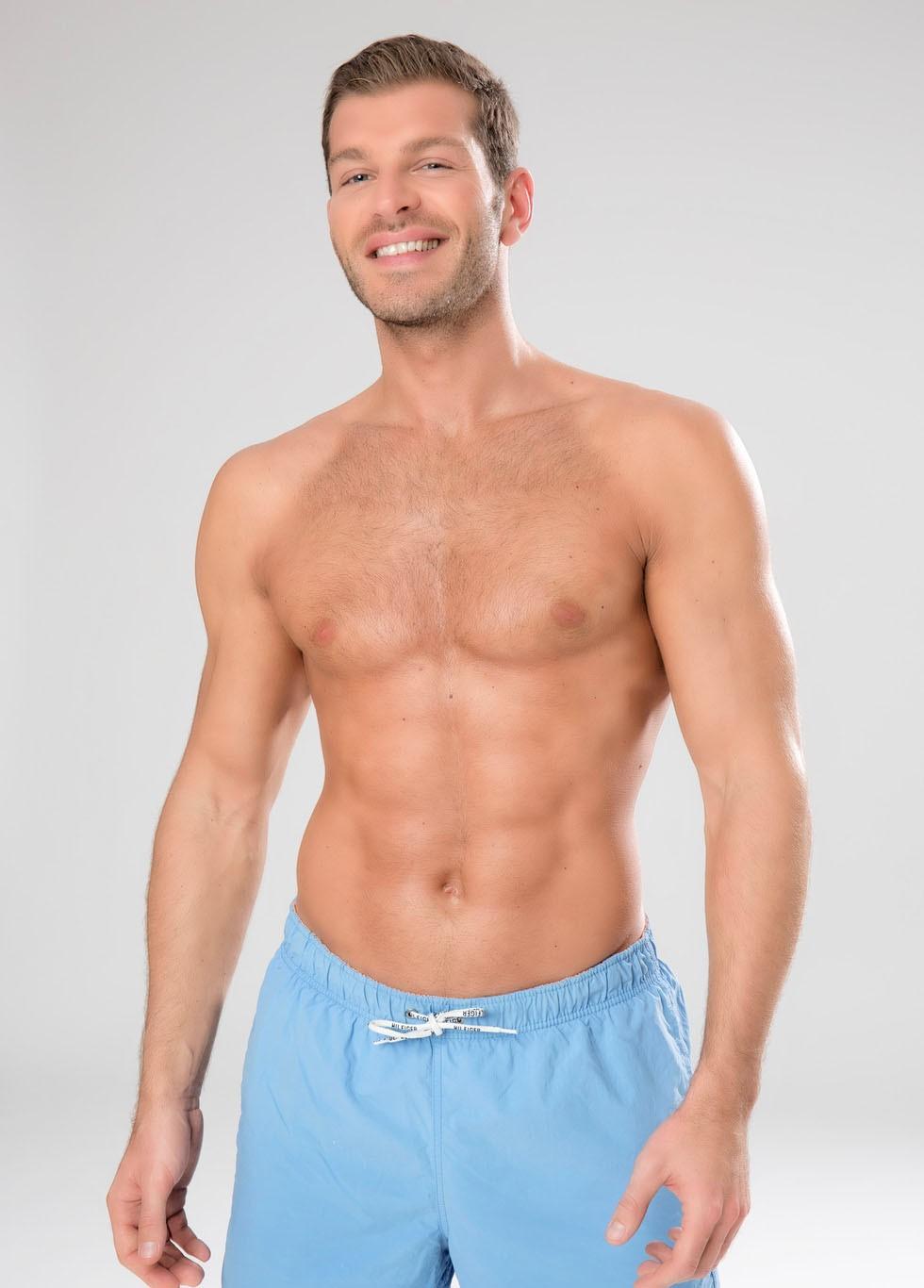 Darek sin camiseta