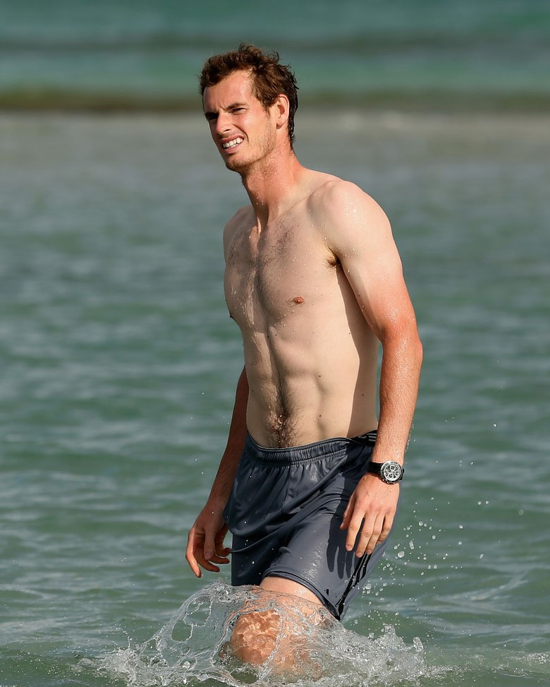 Andy Murray sin camiseta