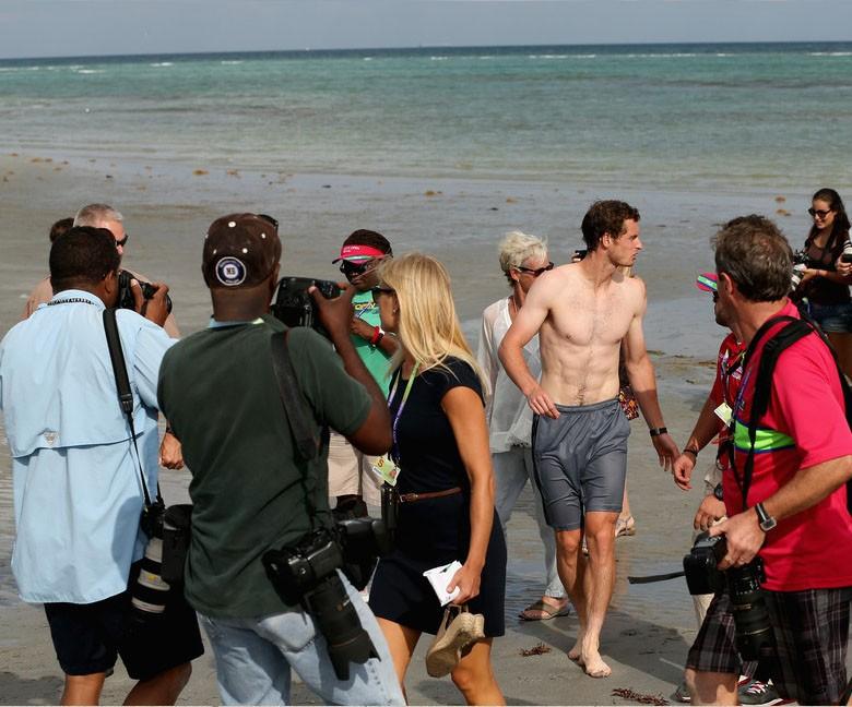 Andy Murray sin camiseta