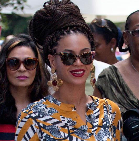 Beyoncé disfrazada de presidenta de país de África