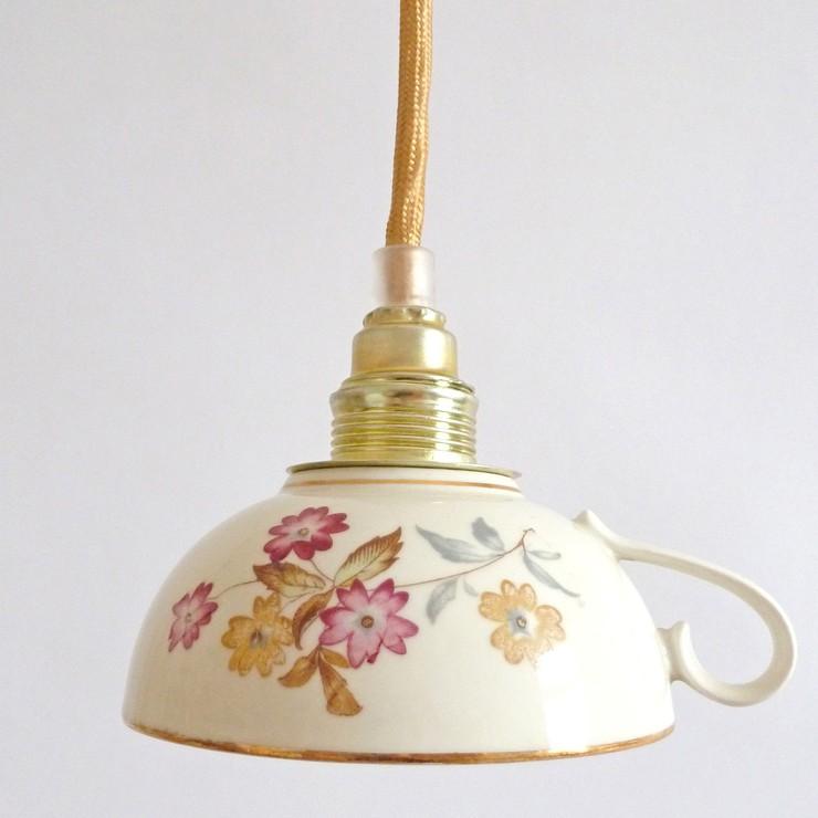 Lámparas hechas de menaje