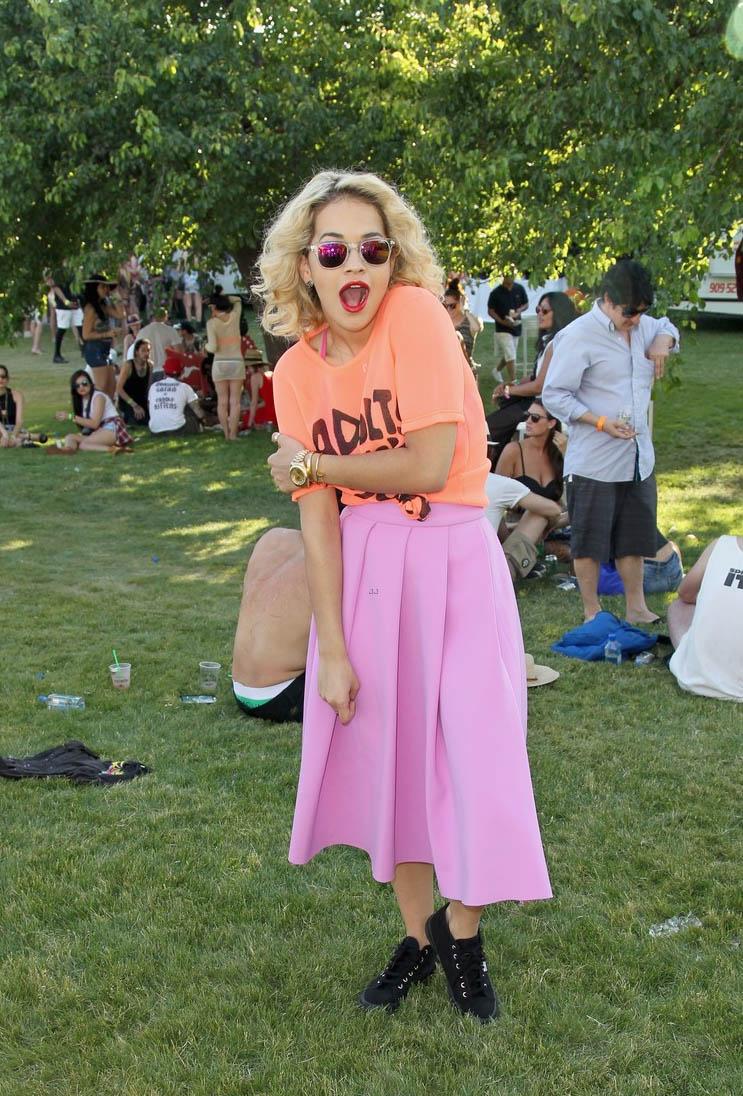 Rita Ora Oversize