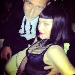 Madonna posando con amigos