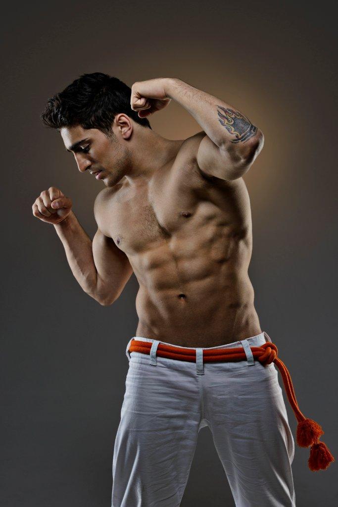 Farid Mammadov sin camiseta