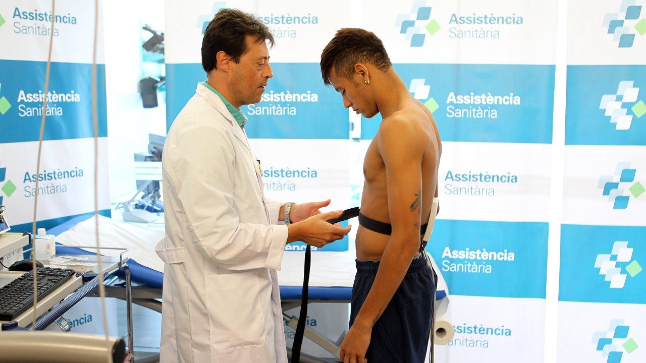 Neymar desnudo revisión médica FC Barcelona