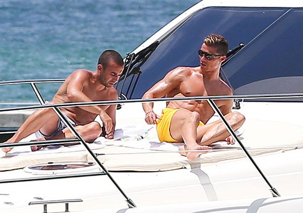 Cristiano Ronaldo sin camiseta