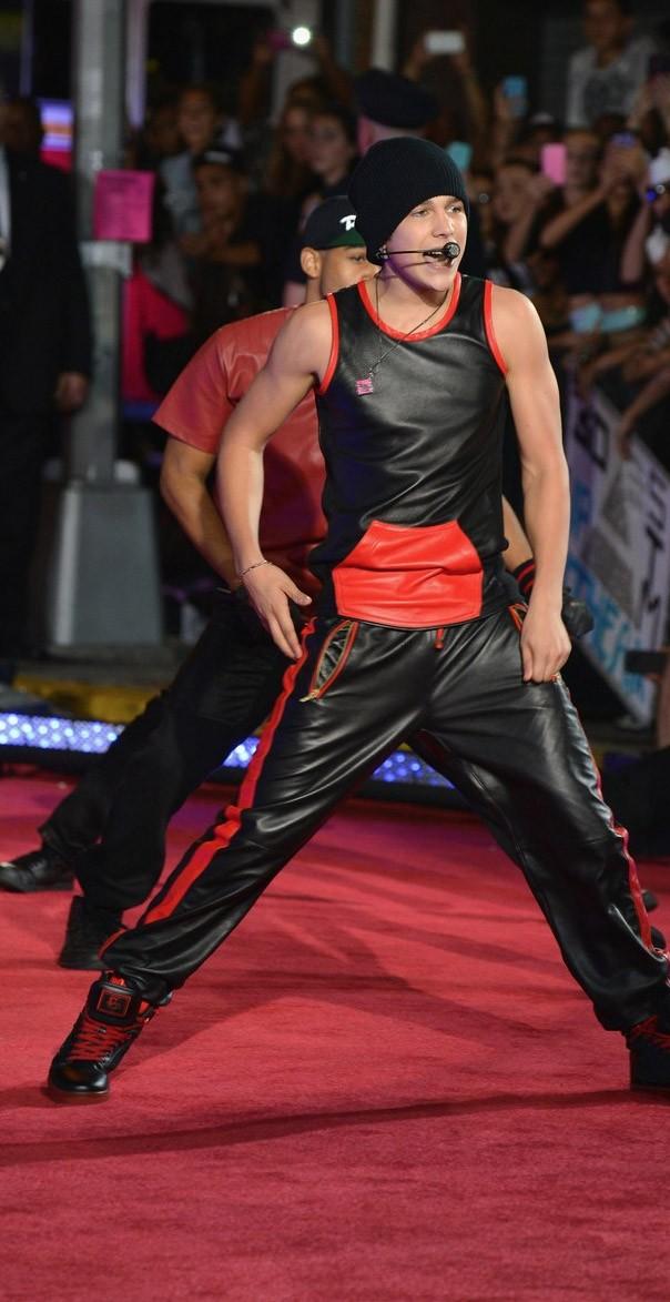 Austin Mahone MTV VMAs 2013