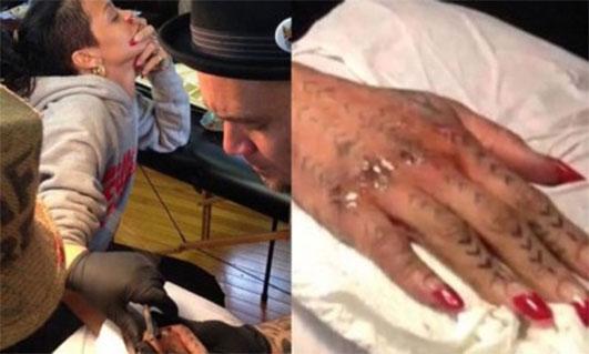 Rihanna Se Hace Un Tatuaje Con Un Martillo Amenzing