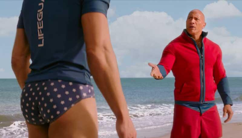 Zac Efron a punto de quedarse desnudo