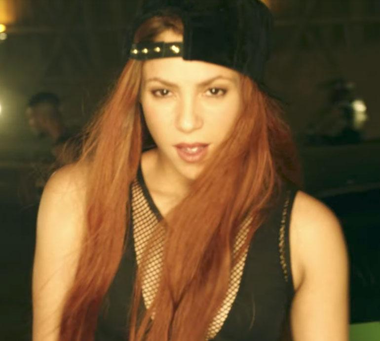 Shakira - 'Perro Fiel'