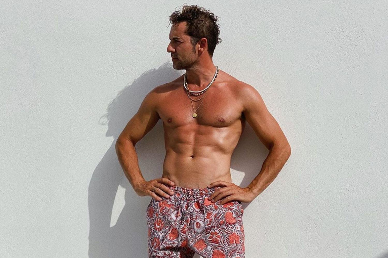David Bisbal sin camiseta
