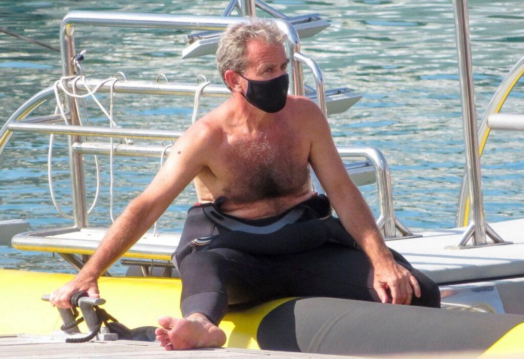 Fernando Simón desnudo